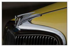 ein gelber Ford