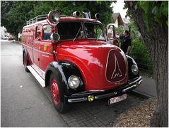 Ein gepflegtes Feuerwehrauto ...