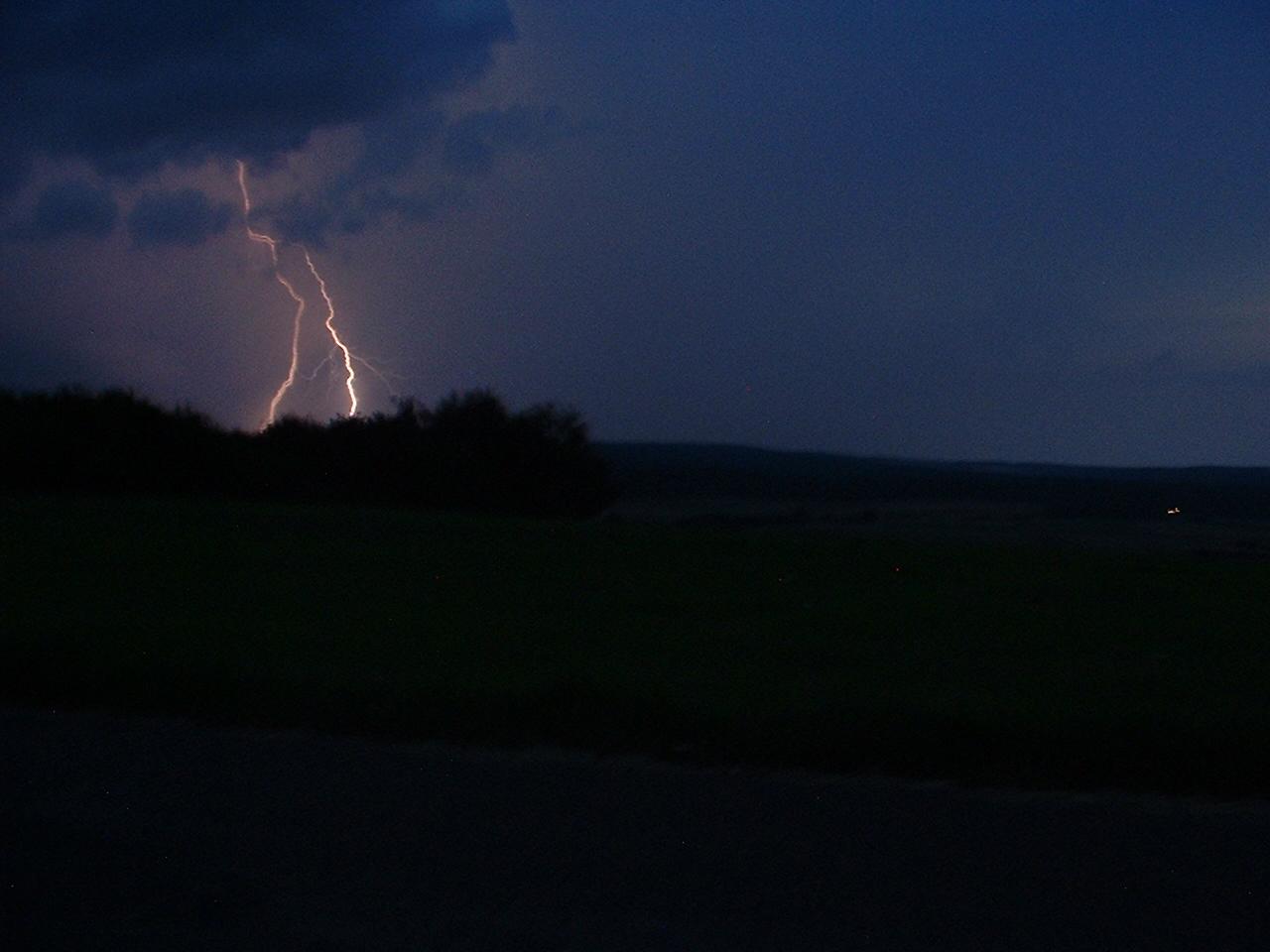 Ein Gewitter Blitz bei Schwalmstadt - Treysa
