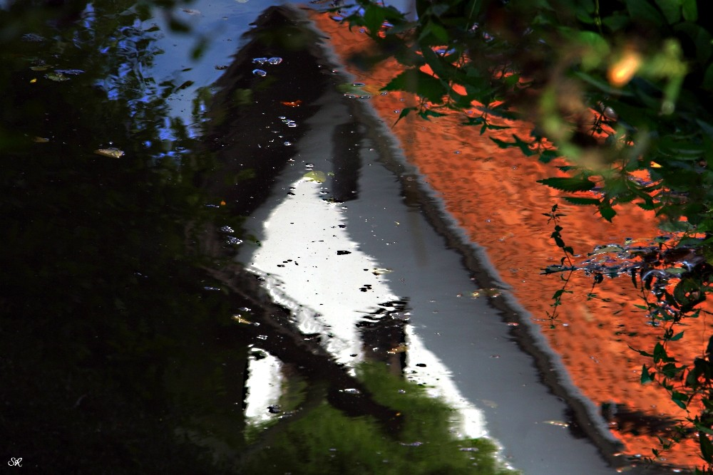 Ein Häuschen am Wasser