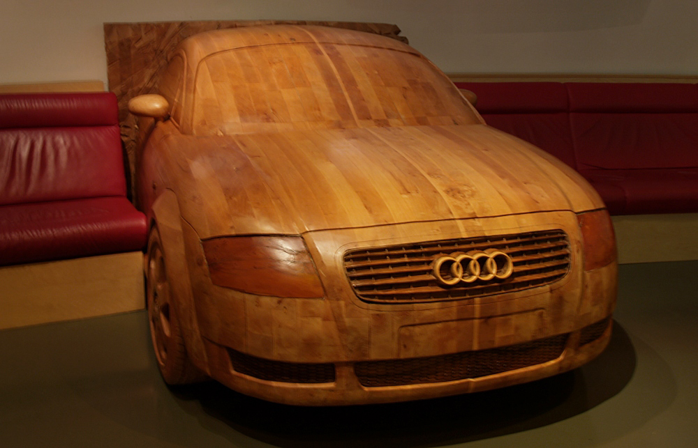 Ein halber Audi aus Holz...
