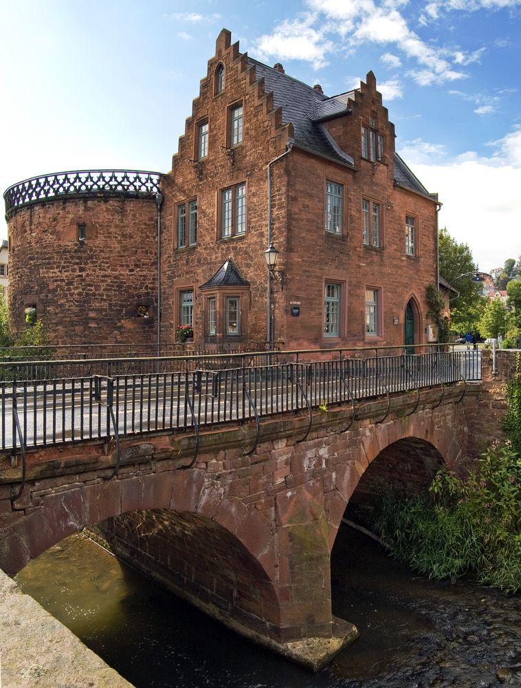 Ein Haus am Fluss Foto & Bild