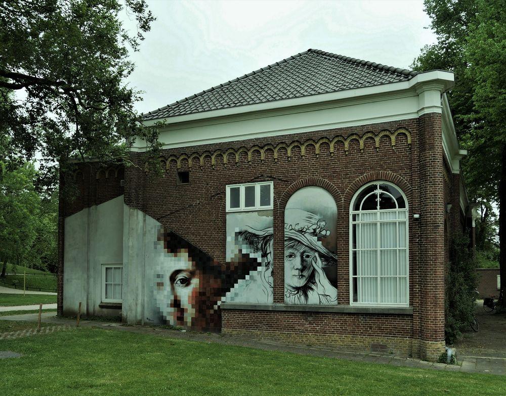 - ein Haus im Park ...