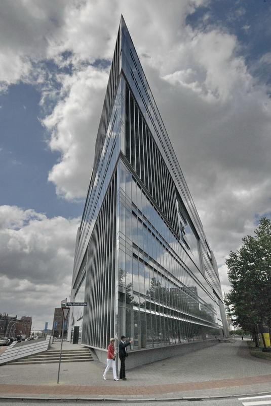 Ein Haus Wie Eine Klinge Aus Glas Und Stahl Foto Bild