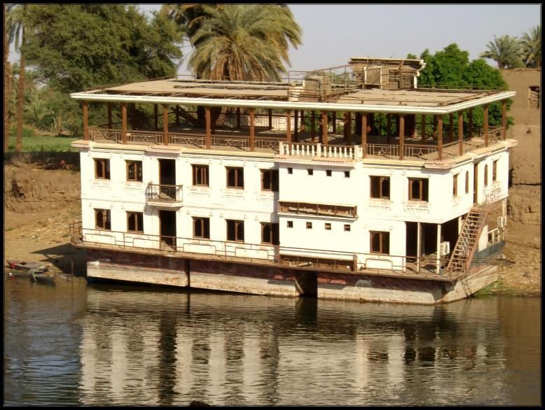 Ein Hausboot am Nil