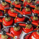 Ein Heer von Feuerlöschern