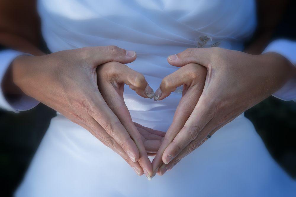 Ein Herz aus Händen
