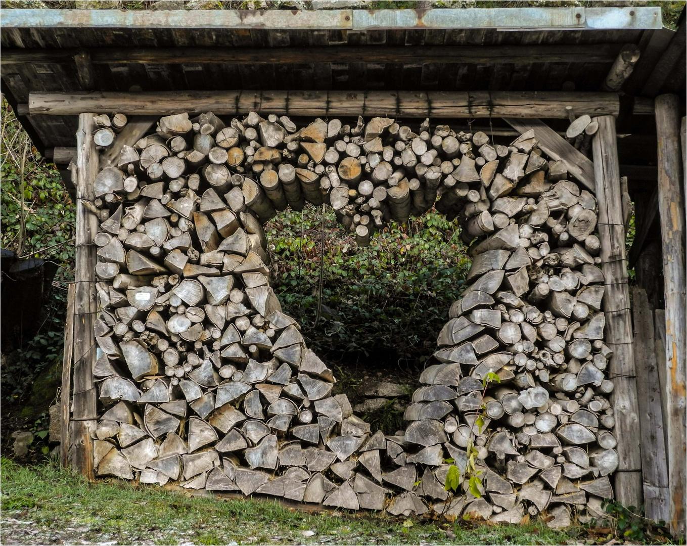 Ein Herz in Holz