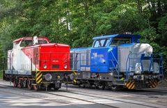 Ein Hingucker: Die farbigen Werkloks im Rostocker Fracht und Fischereihafen