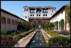 Ein Hofgarten in der Alhambra