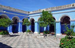 Ein Innenhof im Kloster Santa Catalina in Arequipa