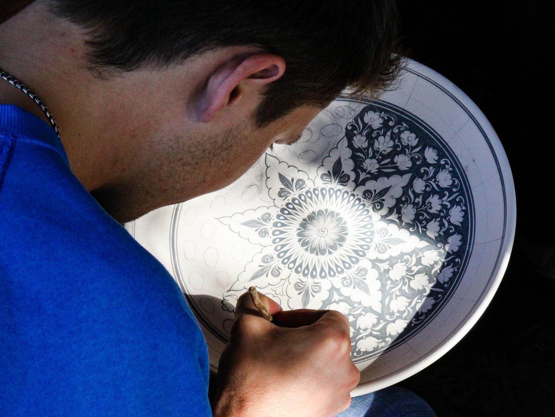 Ein Keramikteller entsteht...