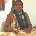 Ein Kiowa-Kunsthandwerker