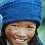 Ein lächeln in den Bergen von Tibet in  5600 m Höhe