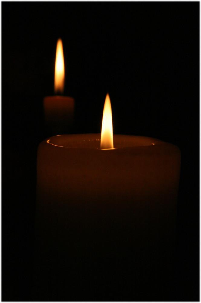 ein Lichtlein brennt ... ...