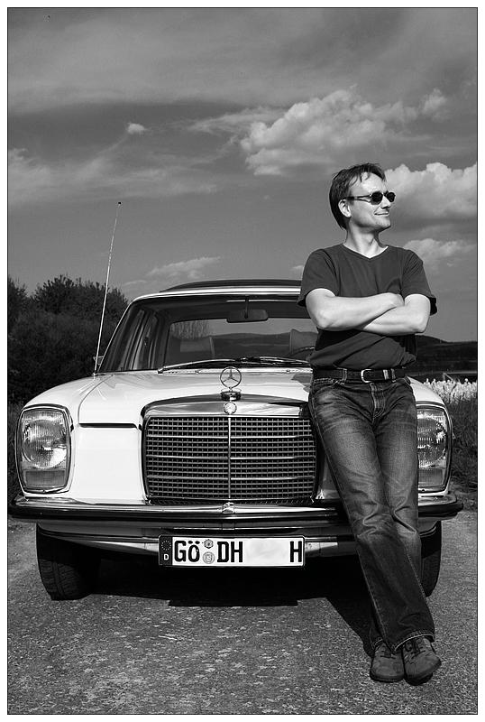 Ein Mann Und Sein Auto Foto Bild Portrait Menschen Bilder Auf
