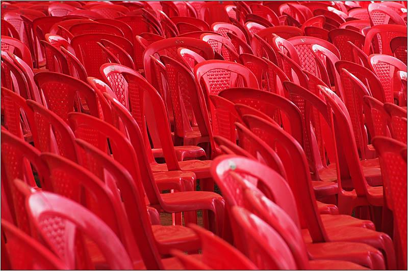 ein Meer von Stühlen