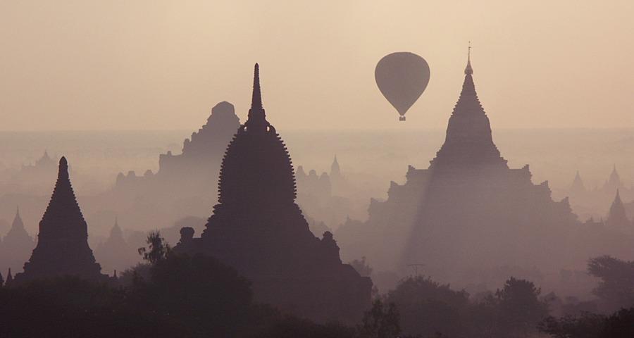 Ein Morgen in Bagan III (Reload)