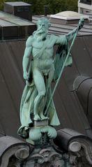 Ein Neptun auf dem Dach