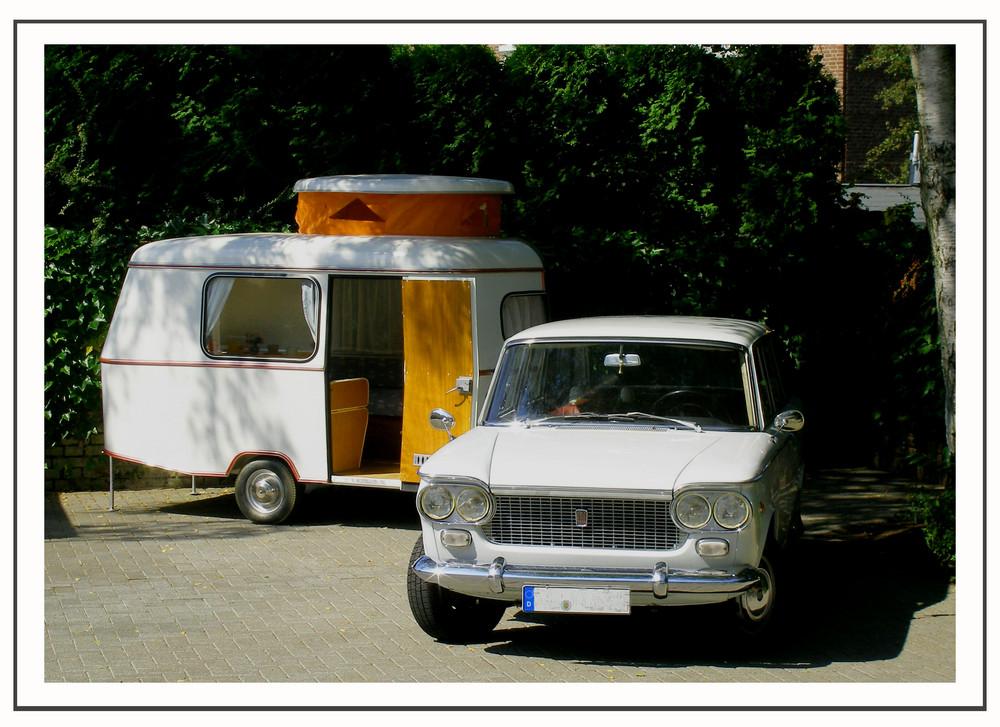 "Ein Oldtimergespann ""Fiat 1500 familiare & Eriba Puck"""
