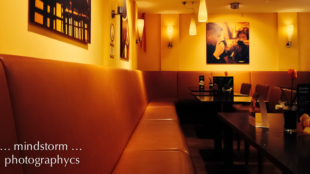 Ein Paar im Cafe