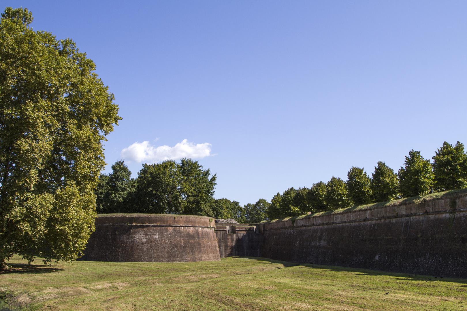 Ein Park auf der Stadtmauer