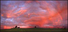 Ein Regenbogen noch vor Sonnenaufgang....