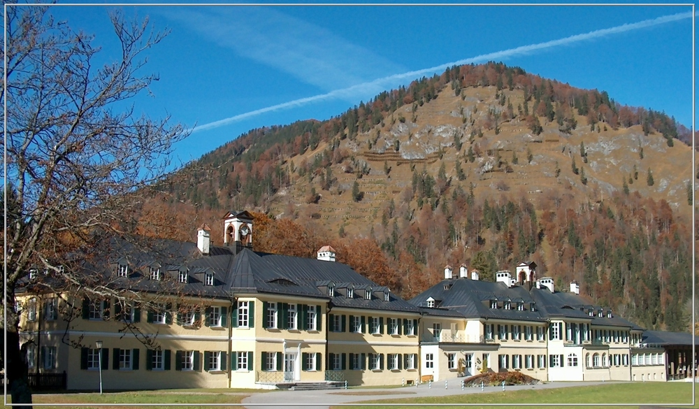 ein Schloss in den Bergen ...