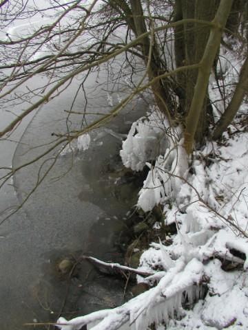Ein See gefriert