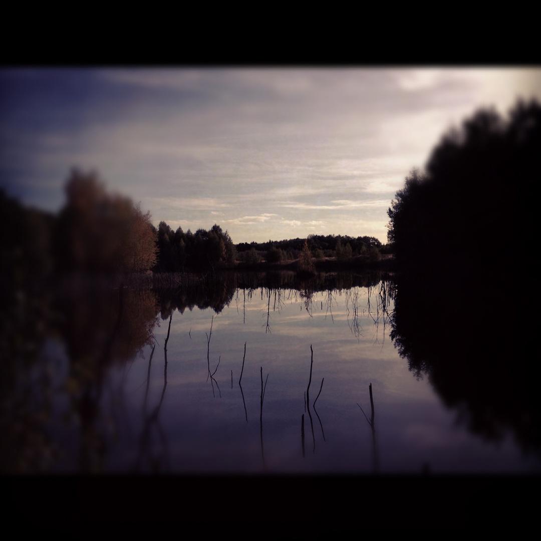 Ein See mitten im Wald...