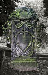 Ein sehr ungewöhnlicher Grabstein ...