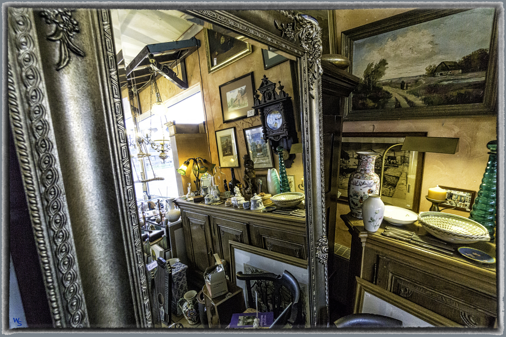Ein Spiegeltag Im Antikladen Foto Bild Stillleben