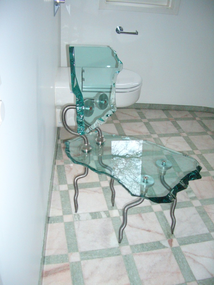 ein Stuhl, oder zwei ?