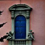 Ein Teil der Ausssenansicht der Ludwigsburger Barockkirche