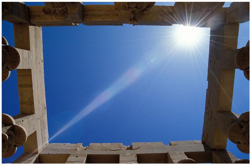 ein Tempel in der Sonne