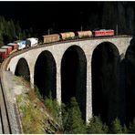 Ein Viadukt