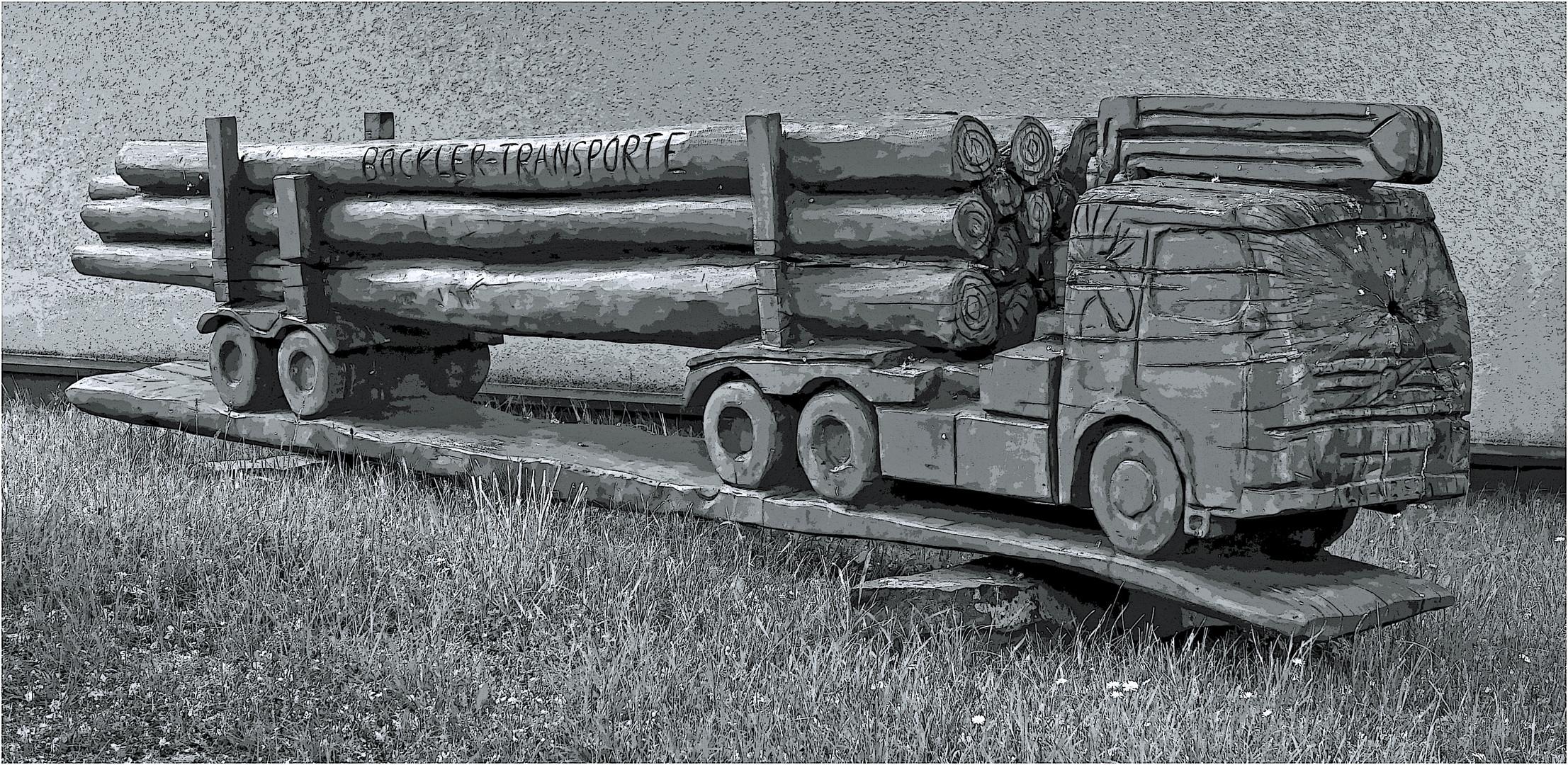 Ein Vorgartenholztransport