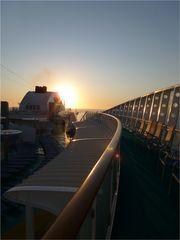 Ein weiterer Sonnenuntergang auf See