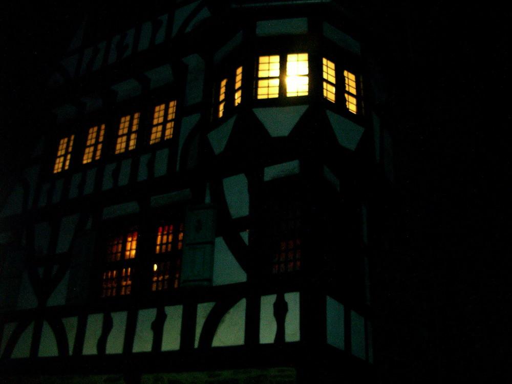 ein wenig zu dunkel - aber ein wirklich schöner Ort: Schloss Burg