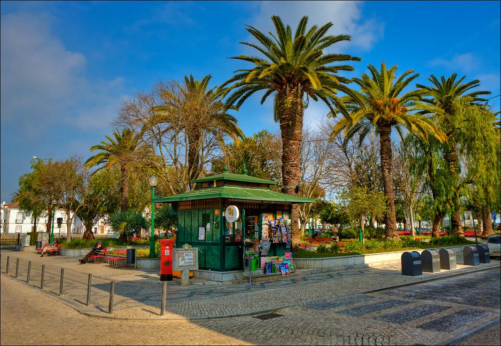 Ein Wintertag in einer Küstenstadt der Algarve