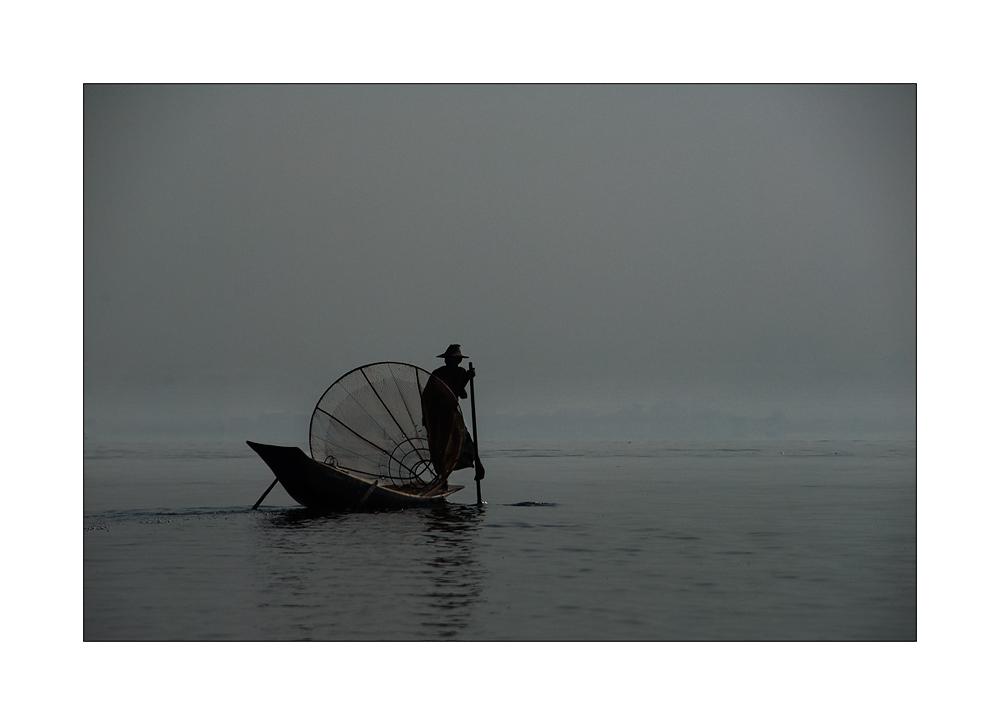 Einbeinruderer im Inle Lake