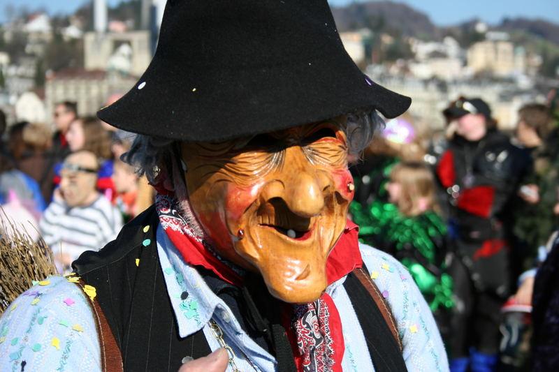 Eine alte Krienser Maske