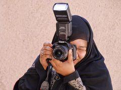 Eine arabische Kollegin in Aktion