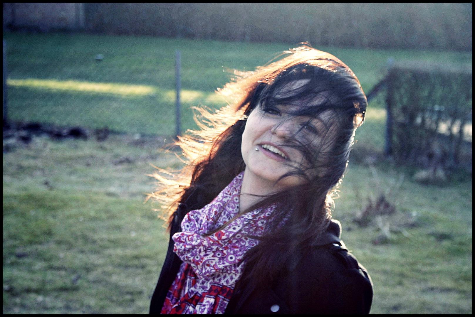 Eine Aufnahme von mir ; vom Winde umschlungen ;)