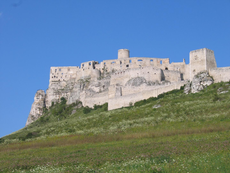 eine Burg...ohne Burgfräulein....