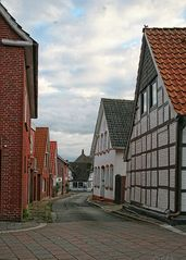 Eine der schönen Straßen in Freiburg an der Elbe...