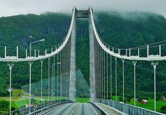 ... eine der vielen Brücken !