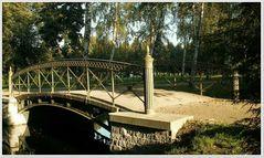 Eine der vielen schönen Brücken, welche in unseren Schweriner Schlossgarten führen