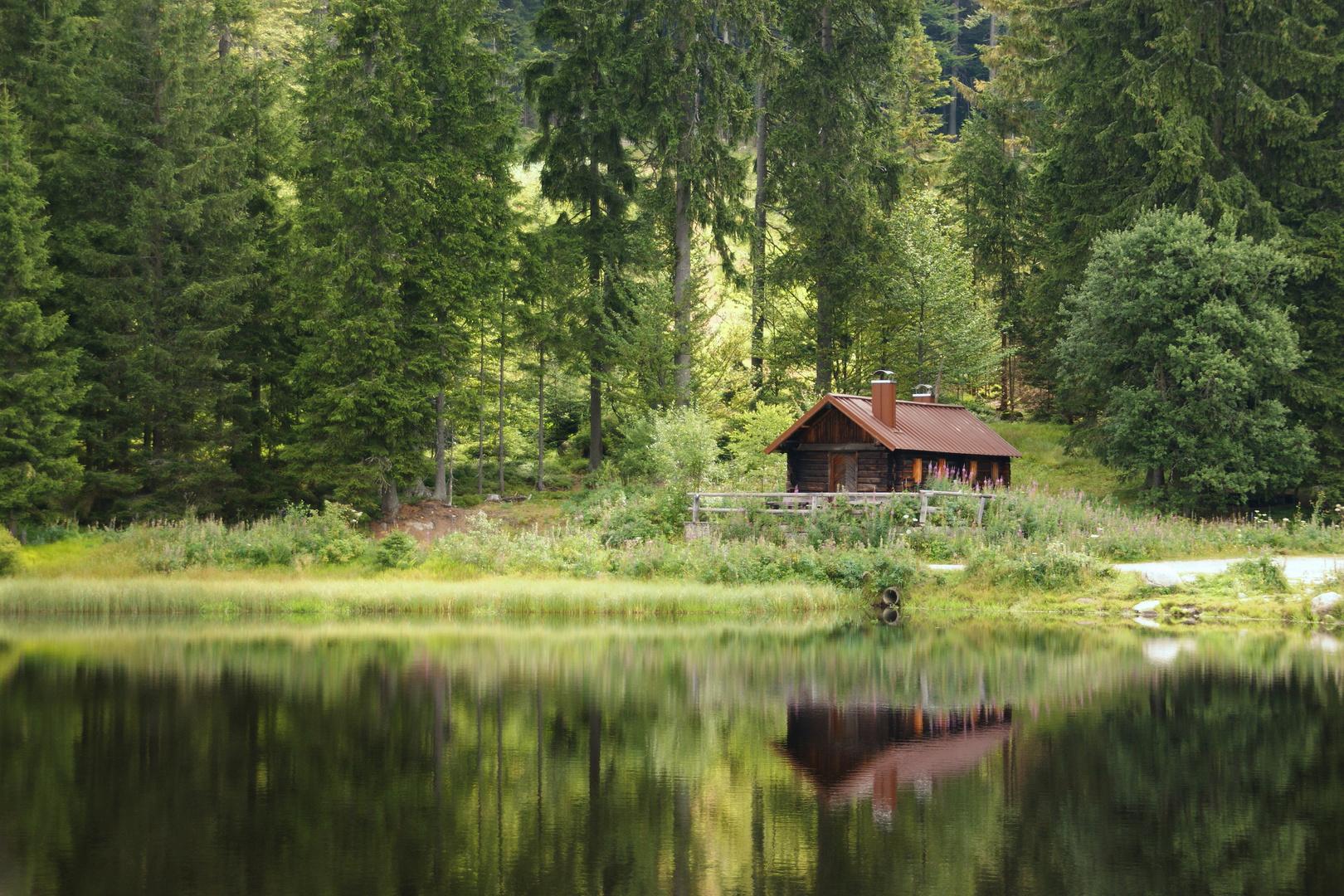 eine einsame h tte am see foto bild landschaft bach fluss see see teich t mpel. Black Bedroom Furniture Sets. Home Design Ideas