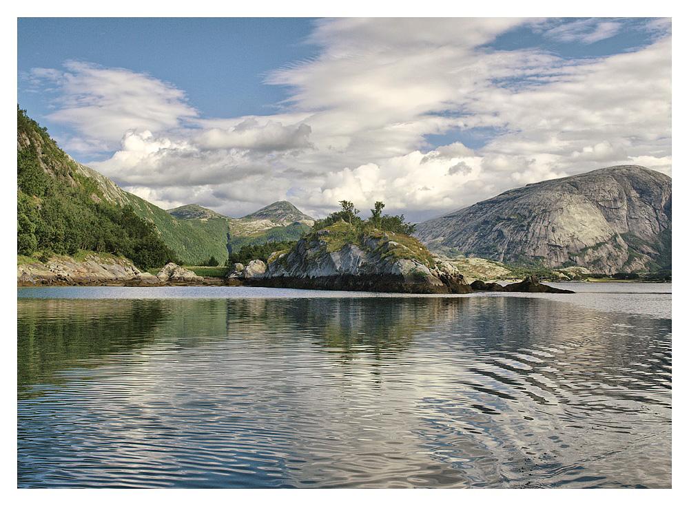 Eine Fahrt durch den Beiarnfjord (11)